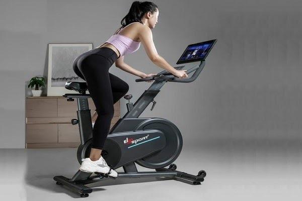 xe đạp thể thao tập tại nhà